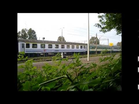 """TLK """"Kiev Express"""" wjeżdża na stację Rejowiec"""