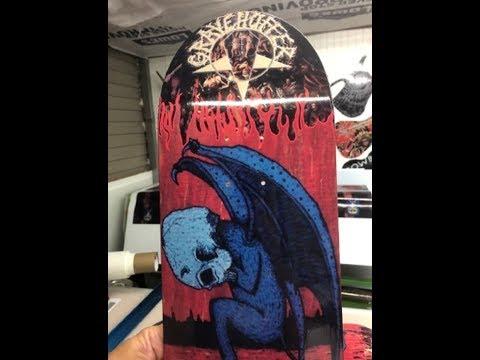Gravehuffer - skateboard deck unboxing