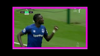 Breaking News | Everton's Oumar Niasse gets a goal back against West Ham