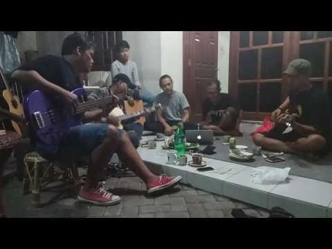 Iwan Fals ~ Bento Blues Version Cover by Pekok Yoben feat Marno Mbois