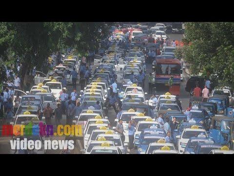 Ganasnya Aksi Demo Ribuan Sopir Taksi Di Jakarta