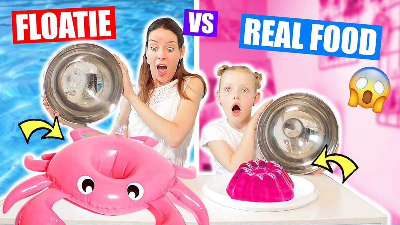 Download FLOATIES vs. REAL FOOD CHALLENGE!!! [ Mega XL en Mini Floaties] ♥DeZoeteZusjes♥