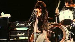 The Ramones - Blitzkrieg Bop and Teenage Lobotomy (live)