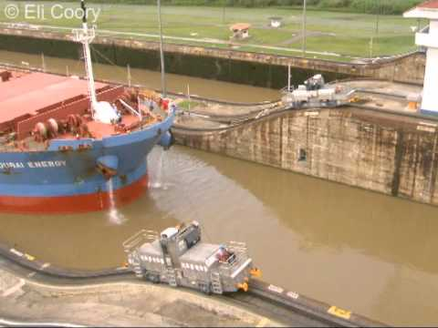 How giant ships pass through Panama Canal