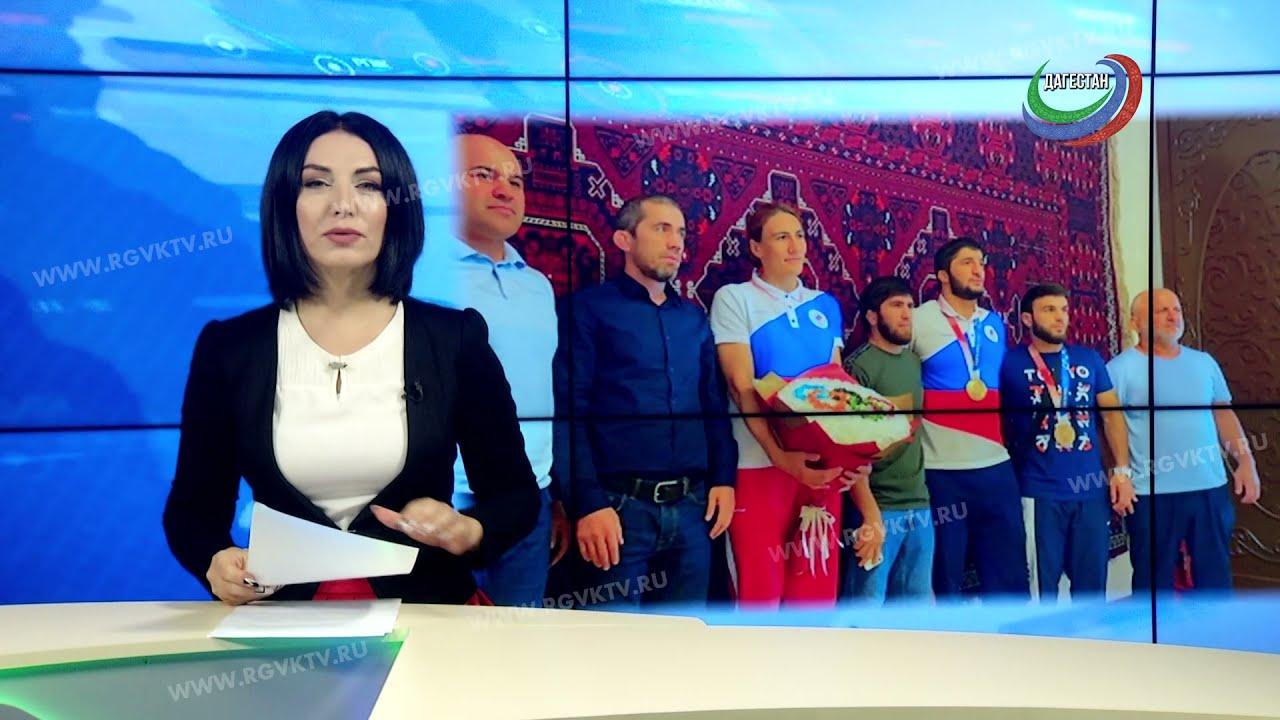 Двукратный олимпийский чемпион Абдулрашид Садулаев вернулся на родину