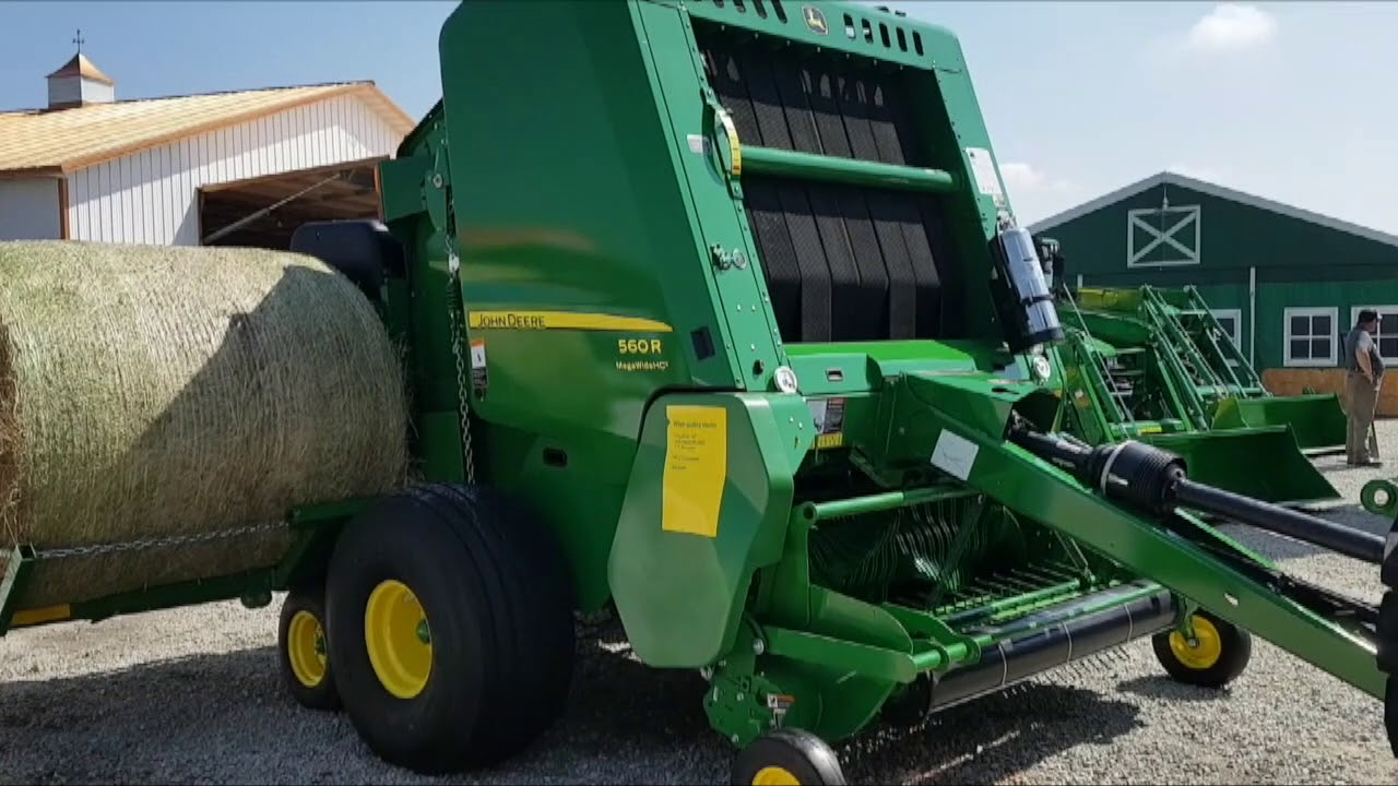 John Deere accumulator brings strategy to baling