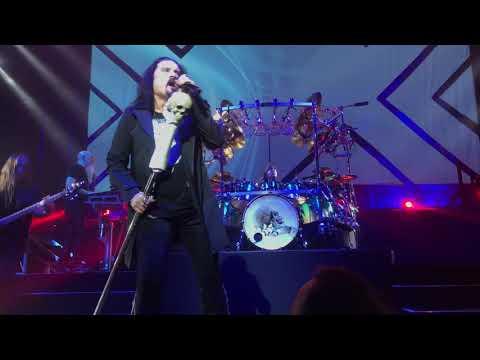 Dream Theater: Pale