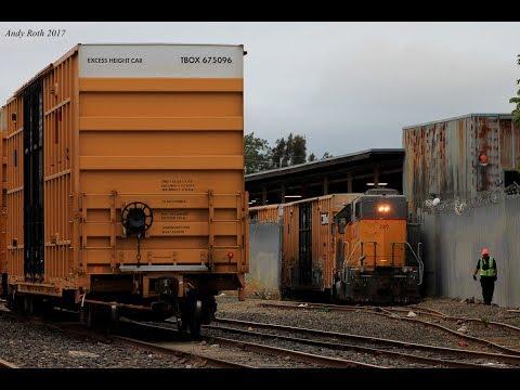 "Oakland Area Railfanning Featuring the YOA82 ""Long Street Job"" (May 2017)"