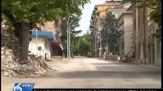 Fiori sulle macerie: uno scampolo di primavera per le vittime del sisma