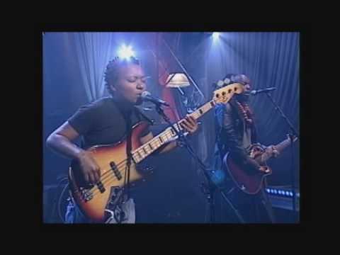 Meshell Ndegeochello - Loyalty (CRS performance)