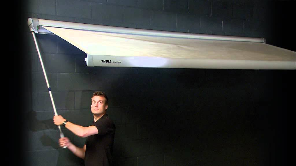 thule omnistor handkurbel youtube. Black Bedroom Furniture Sets. Home Design Ideas