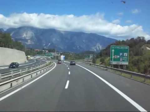 Frontera Italia-Austria por Villach. Border Italy-Austria at Villach