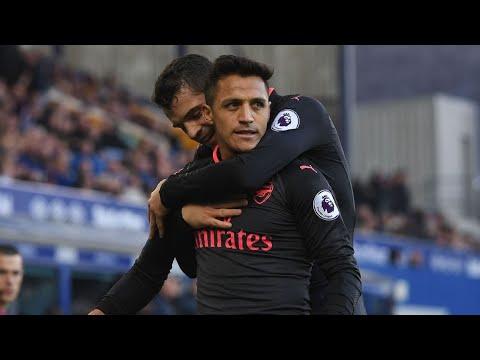 Arsene Wenger: Alexis Sanchez 'on fire' and Mesut Ozil 'superb' at Everton