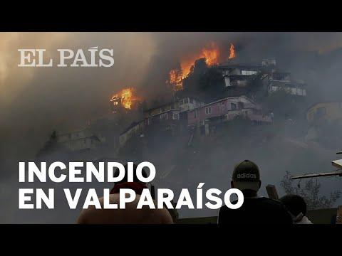 CHILE: Un INCENDIO Calcina 100 Casas En VALPARAÍSO