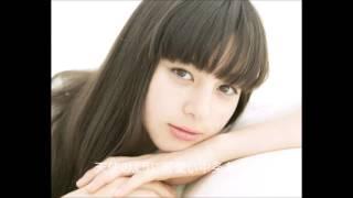 中条 あやみ(1997年2月4日 - )は、日本の女優、タレント、ファッショ...