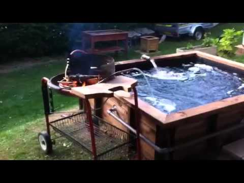 Piscine et spa en bois youtube for Piscine bois chauffee