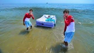 MOM WAKES UP IN OCEAN PRANK!