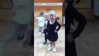 Трошина Мирослава хореография 2,5года