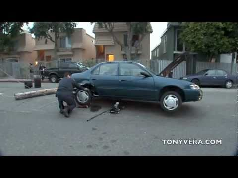 LA times Paper delivery women got in a bad  car accident at venice beach