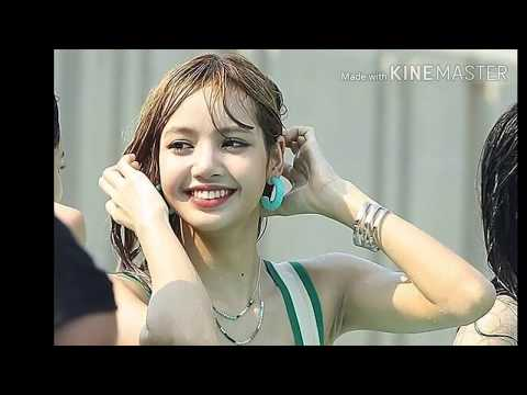 BLACKPINK LISA IS SO HOT!! AND WET!