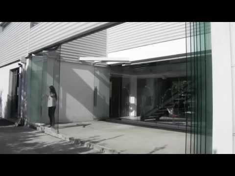 Tauro vd sistema oculto para puertas plegables de vidrio matiasmx com youtube - Puertas deslizantes de cristal ...
