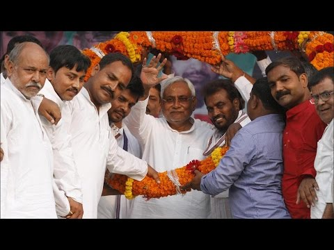 Nitish Kumar & Lalu Prasad Alliance Ahead in Bihar