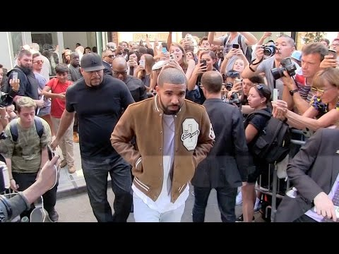 Drake And The Kardashian Klan Support Kanye West S New Collection In New York