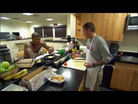 Josh Smith Eating Breakfast