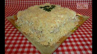 СЛОЁНЫЙ САЛАТ с Курицей, Грибами и Картофелем - пошаговый рецепт. Понравится ВСЕМ!