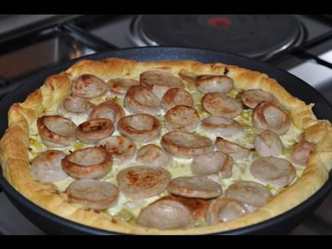 recette-de-la-tarte-feuilletée-au-boudin-blanc,-cèpes-et-poireaux