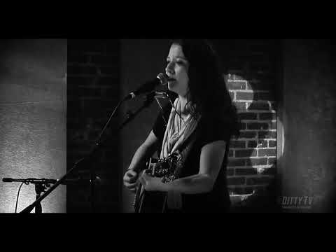 """Ashley McBryde Performs """"Let's Lie To Each Other"""" On Ditty TV"""