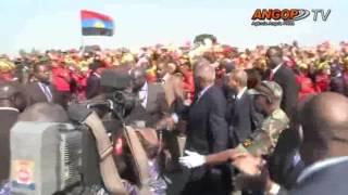Presidente da República recebido sob forte ovação no Moxico