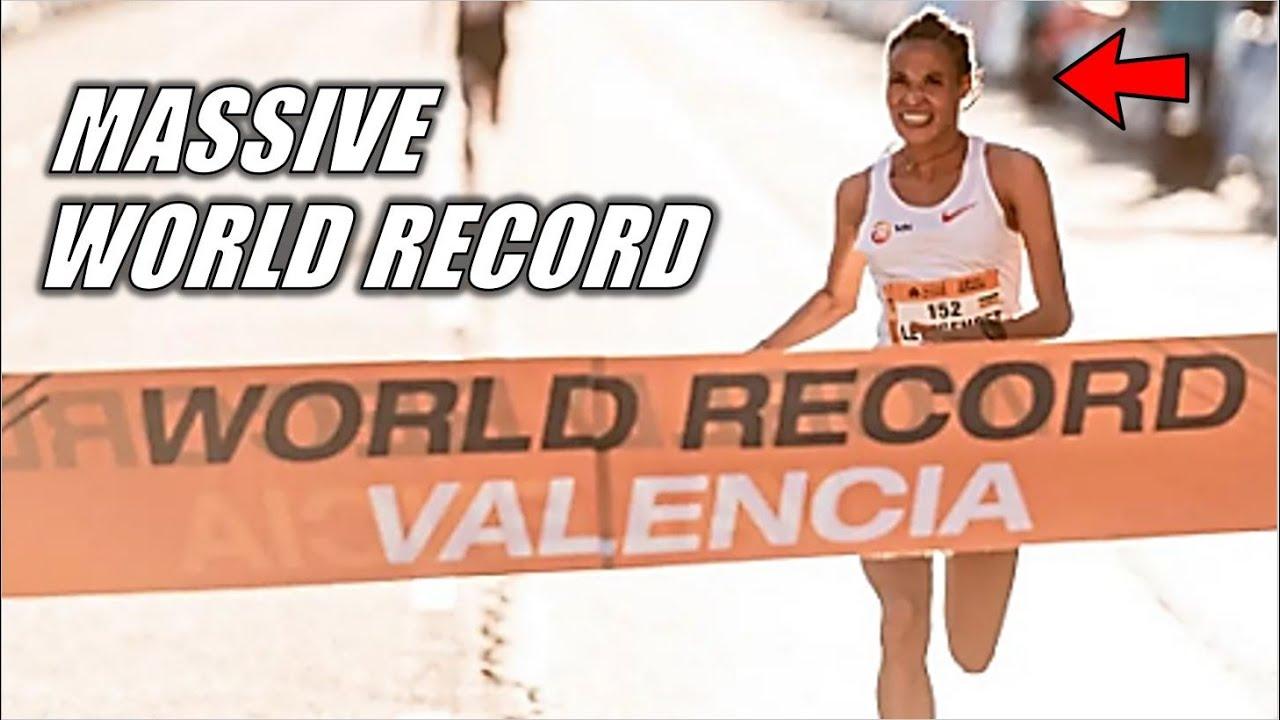 Letesenbet Gidey SMASHES Half Marathon World Record || 2021 Valencia Half Marathon