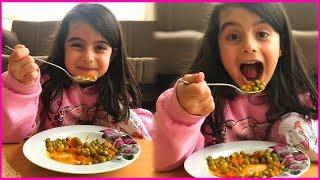 Bezelye Yemeği Yiyor, Sizde Yiyebilirsiniz Arkadaşlar l Rüya Yemek Yiyor l Kid is Eating Food