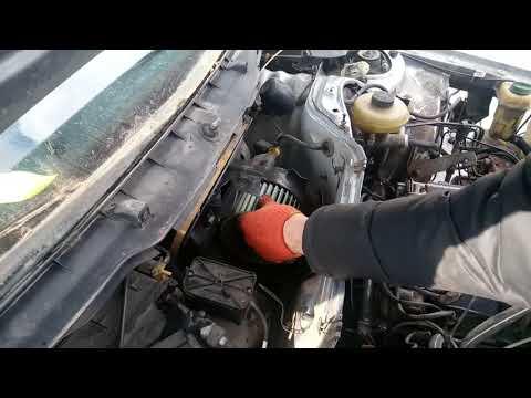 Снятие моторчика печки audi A6 C4