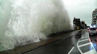 Saint-Malo Grande Marée 2014 Vagues Bretagne Storm Tide Marea huge waves