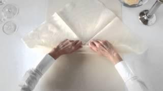 Варианты складывания салфеток. Оформление зала своими руками.
