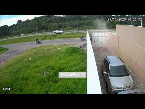 Download Bike crash on a wall
