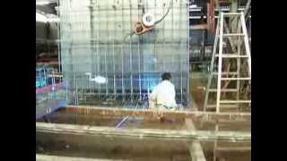 工場における鋼製型枠の製作です。床には点検口があり、コンクリート打...