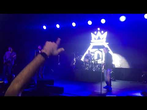 Fall Out Boy - Dear Future Self (Hands Up) Live Indianapolis 2019