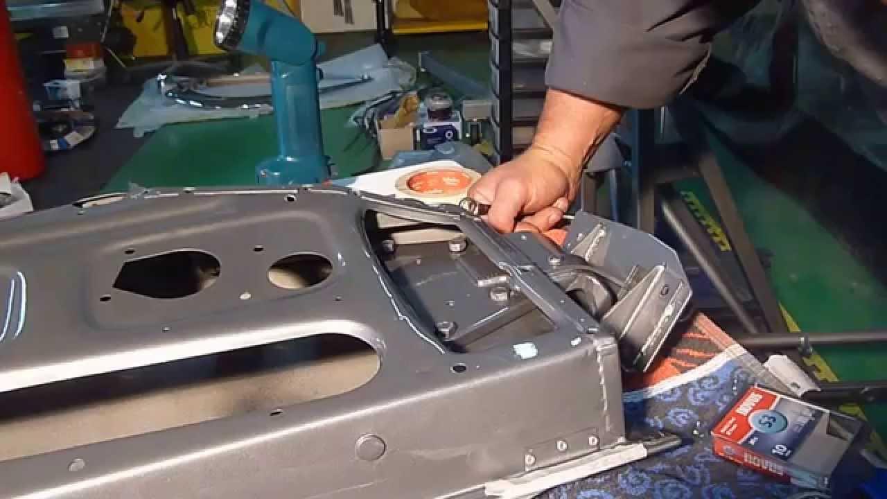 Jaguar E Type Door Fitting Part 1 Youtube