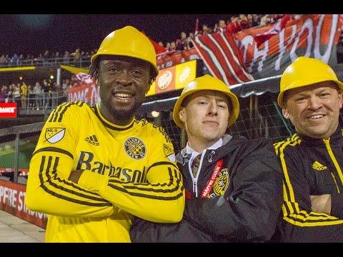 GOAL: Kei Kamara honors old Crew logo with goal celebration | Columbus Crew SC vs. Toronto FC