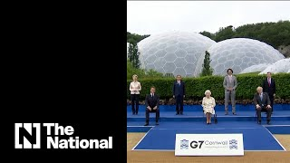 G7 leaders and Queen Elizabeth crack jokes while taking group photo