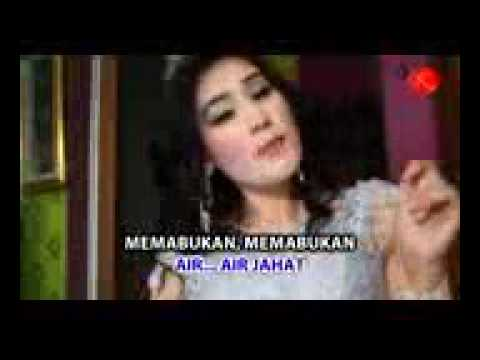 Elly Noor   Air Jahat Official Video   144P