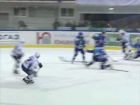Лучшие сэйвы января в КХЛ / KHL January's Top-10 savesиз YouTube · С высокой четкостью · Длительность: 3 мин27 с  · Просмотры: более 8.000 · отправлено: 14-2-2013 · кем отправлено: КХЛ