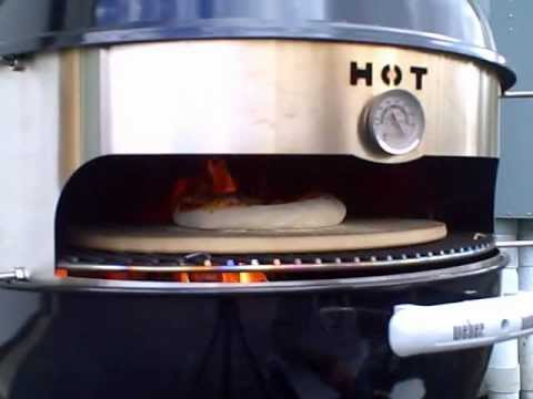 Turn Your Charcoal Grill Into a Pizza Oven