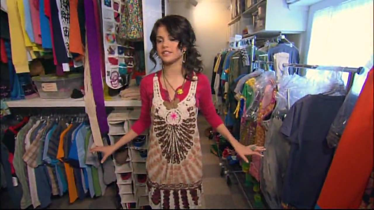 alex russo bedroom on wizards of waverly place bedroom style ideas