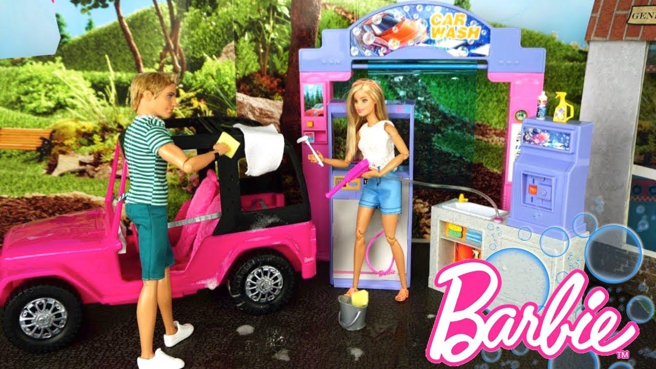 Rutina de Mañana de Mis Muñecas Lavando su Carro de Barbie