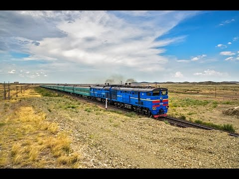 3ТЭ10М-1069 с поездом №352 Защита - Алма-Ата, на перегоне Жангиз-Тобе - Желдикара.