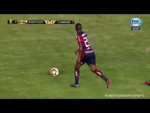 Dribles Vinícius Júnior - River X Flamengo